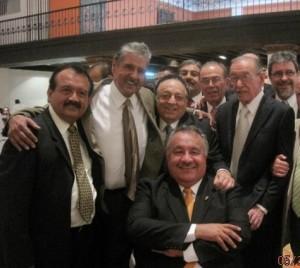 Al lado de Don José Sulaimán y oficiales del CMB