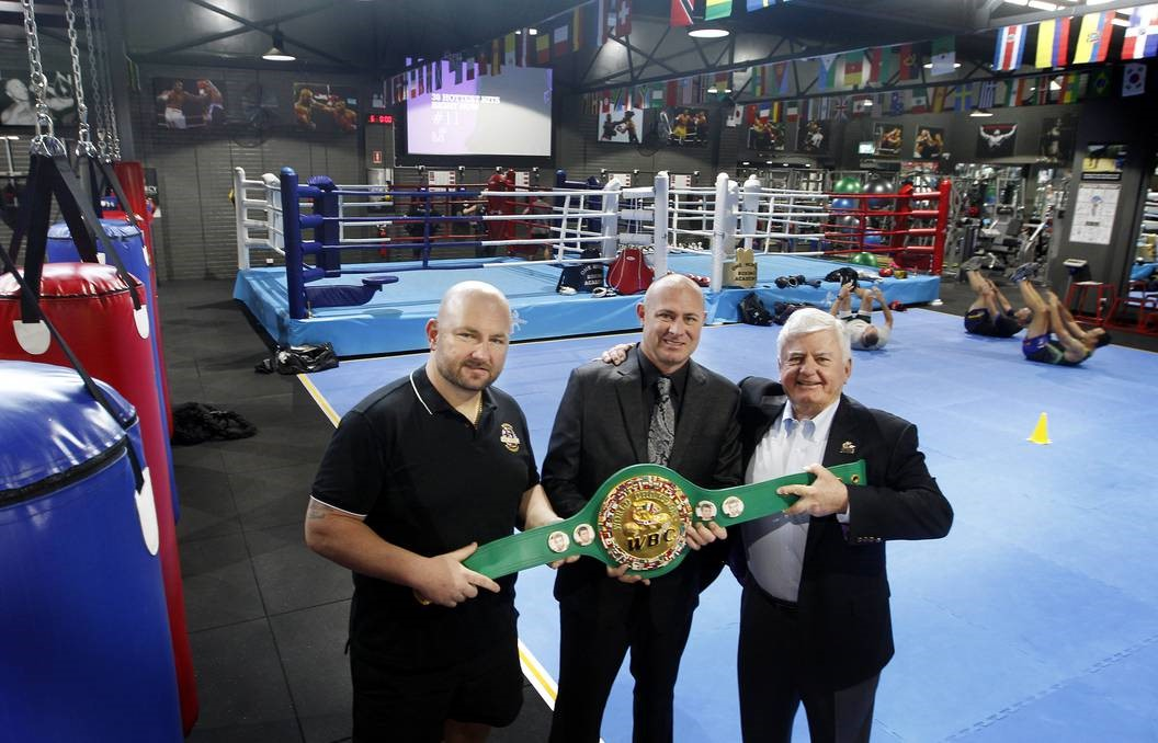 Richard claut y rob fogarty estrenan gran gimnasio de for Gimnasio de boxeo