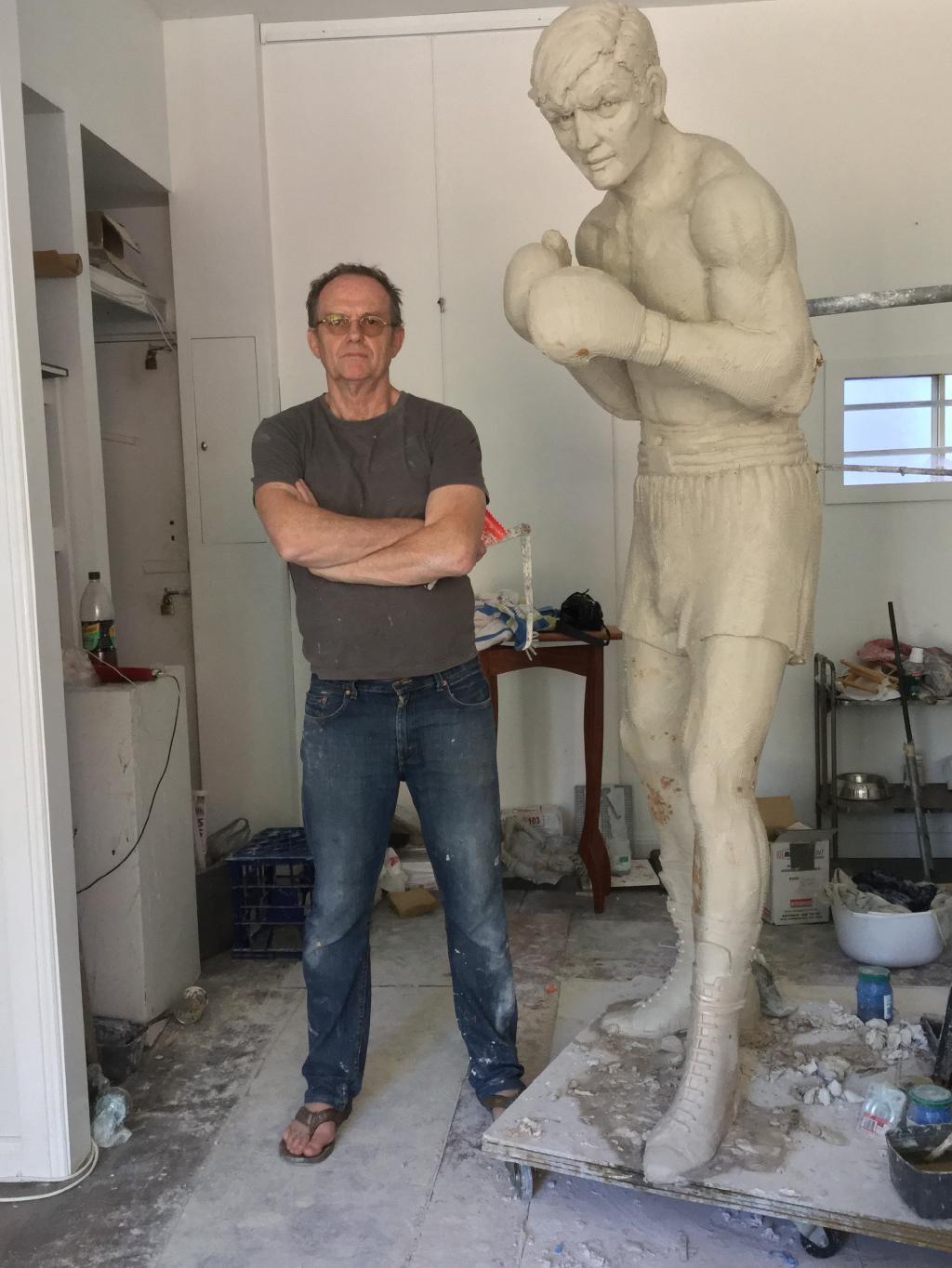 famechon statue