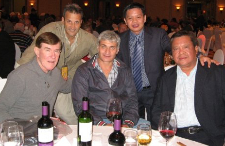 "Chairman Mauro Betti, center, takes sa photo opportunity with boxing officials, (clockwise) Bruce McTavish, Gene del Bianco, this writer Rey Danseco, and promoter Gabriel ""Bebot"" Elorde Jr. during the 49th WBC Annual Convention in Jeju, South Korea in 2009."