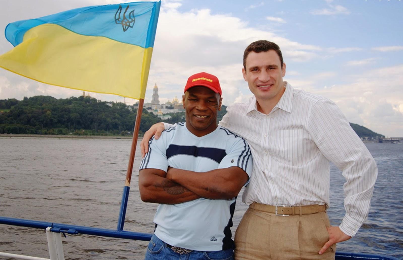 Mike-Tyson-boxers-Klitschko-Ukrainian-_450873-58