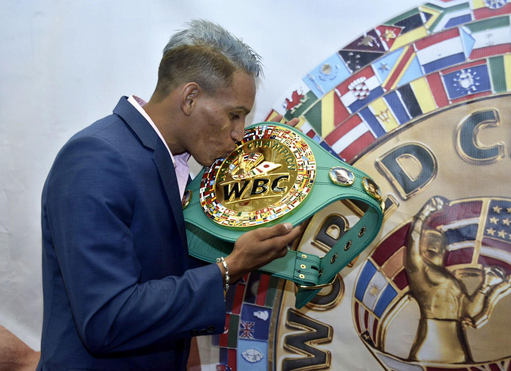CRISTOFER ROSALES WBC