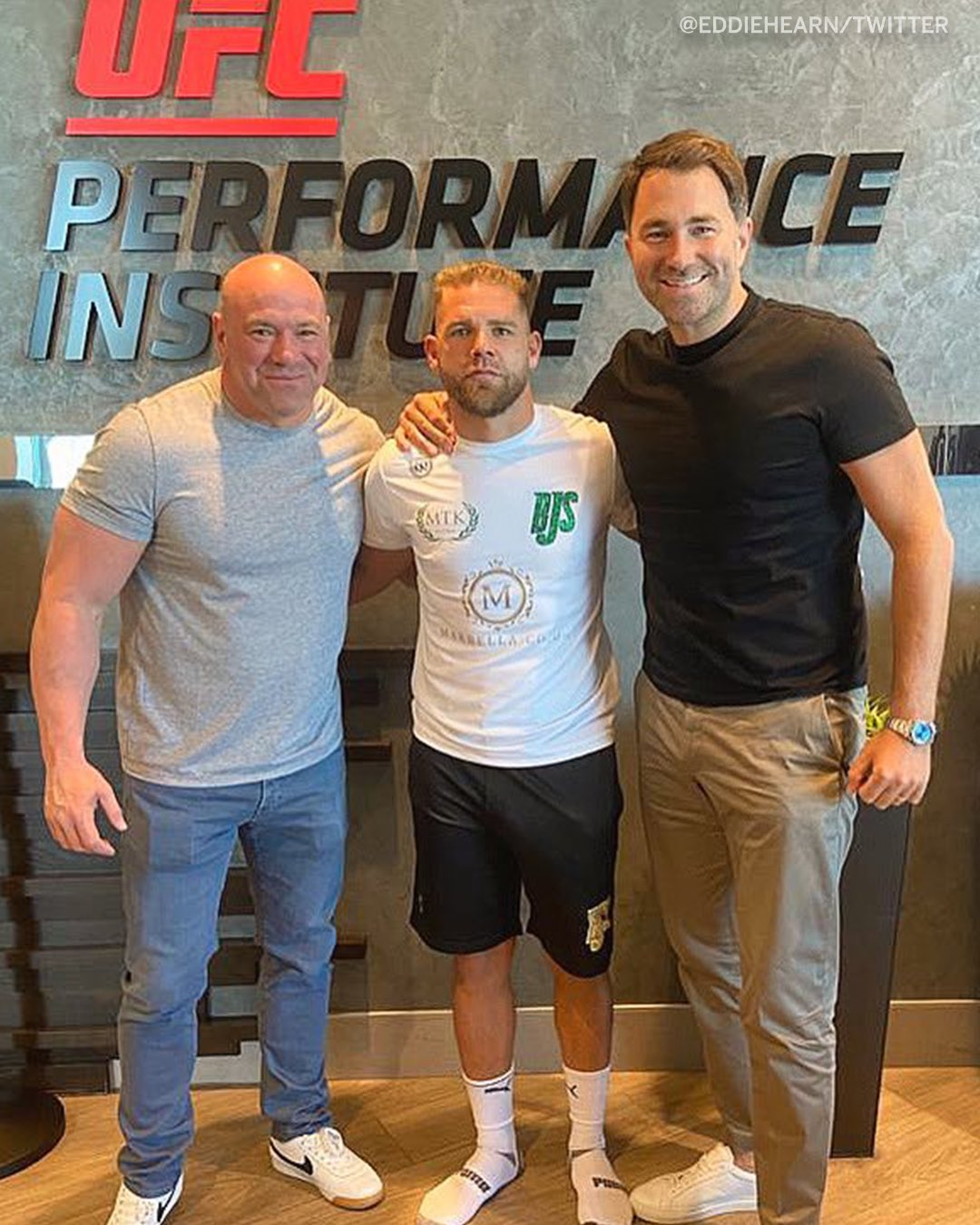 Eddie Hearn Visits Canelo & Billy Joe Saunders Ahead of May 8th Bout | Boxen247.com