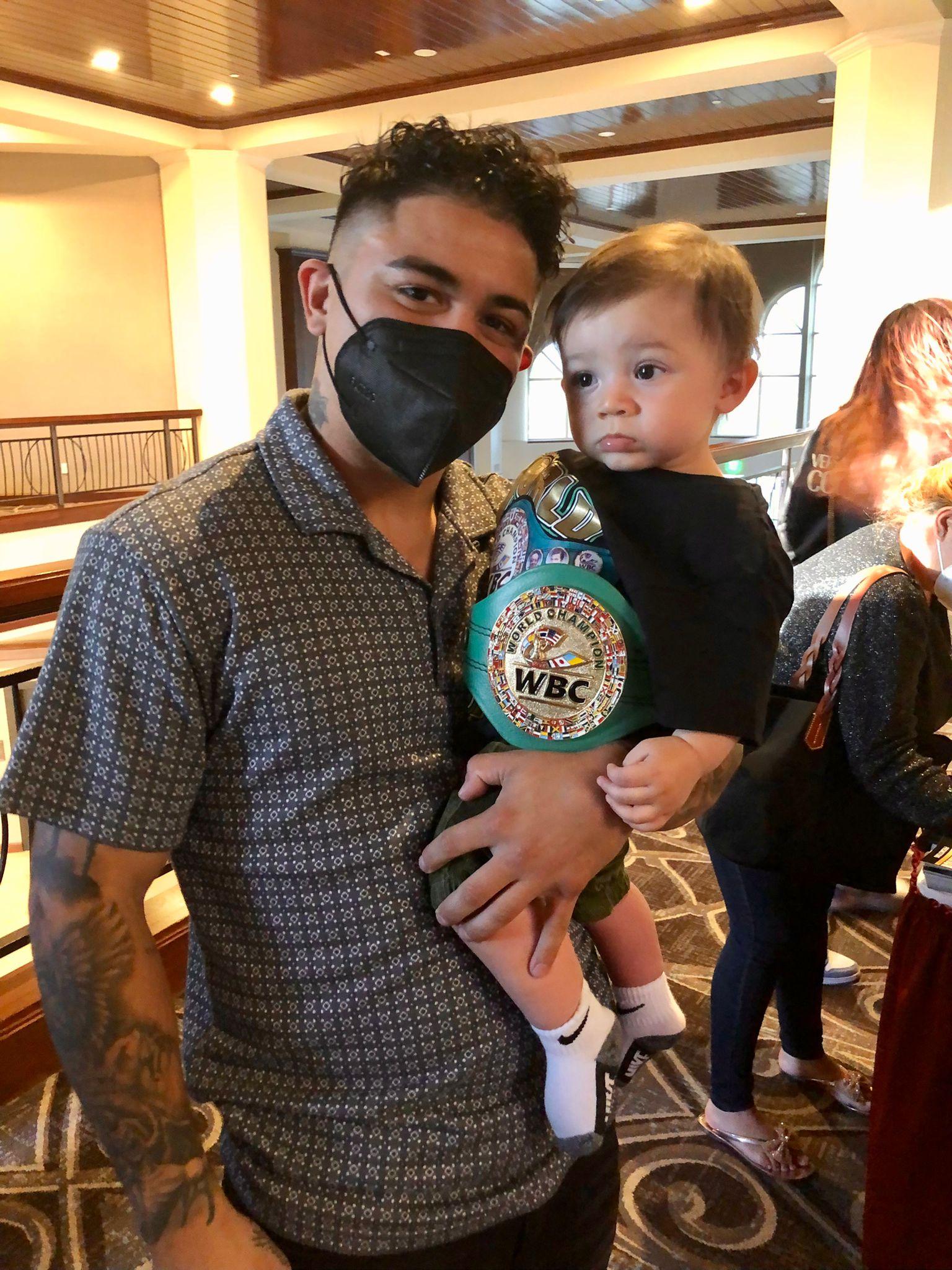 Joseph Díaz receives WBC trainer belt | Boxen247.com (Kristian von Sponneck)